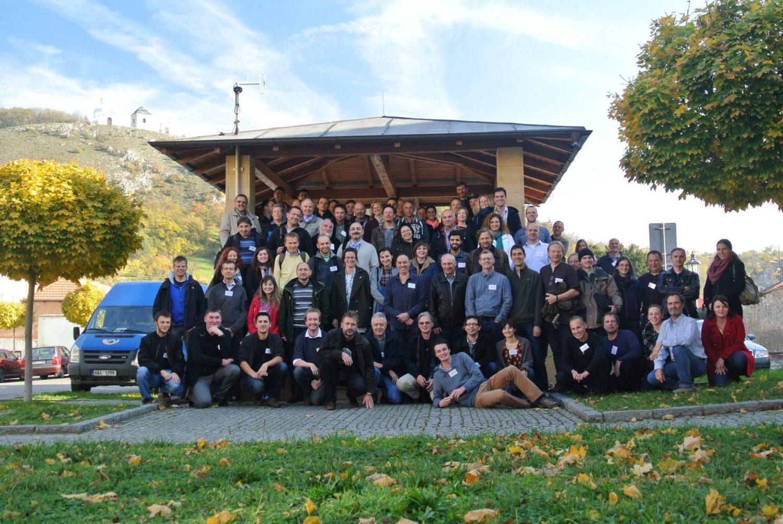 Účastníci posledního mezinárodního semináře společného pro projekty Celoevropský monitoring běžných druhů ptáků, druhý Evropský hnízdní atlas aEuroBirdPortal se setkali vlistopadu 2015 vMikulově. Foto: Vojtěch Brlík