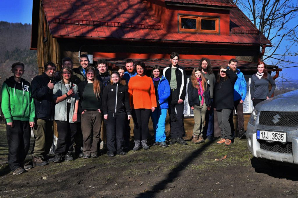 Účastníci Beskydského houkání ajeřábkování 2018, které bylo podpořeno z Malých členských grantů ČSO.