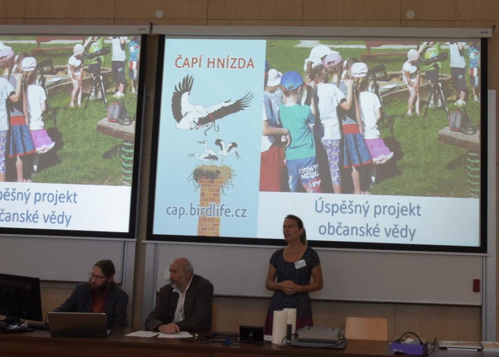 Gabriela Dobruská přednáší na členské schůzi ČSO 2019 v Českých Budějovicích