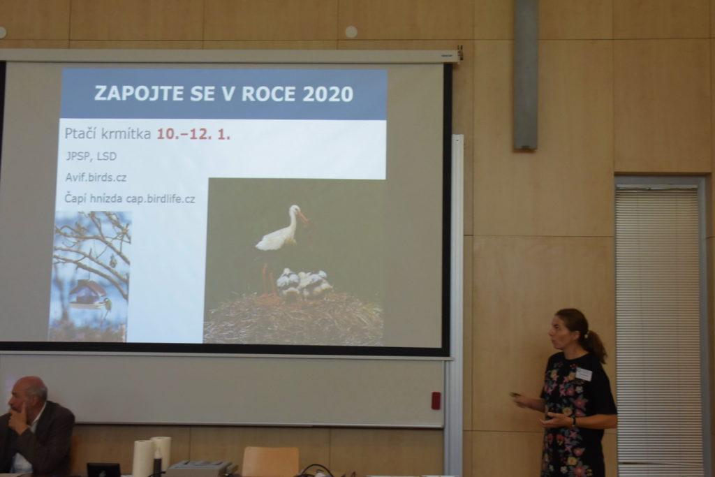 Alena Klvaňová přednáší na členské schůzi ČSO 2019 v Českých Budějovicích