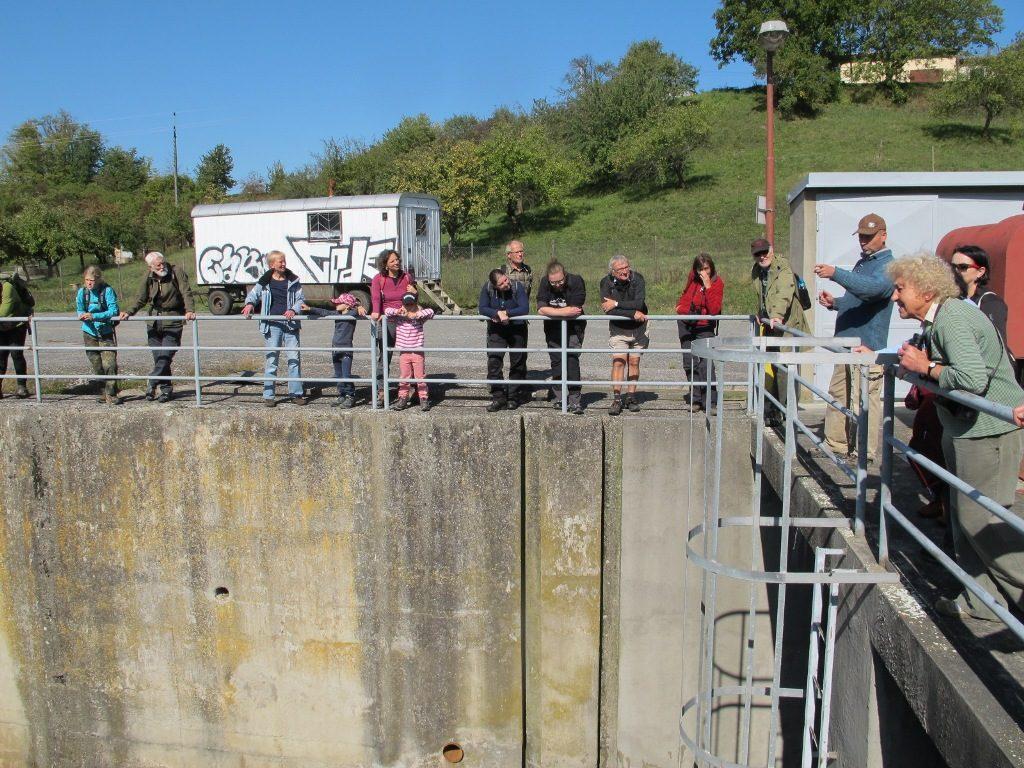 účastníci exkurze ČSO na vodní nádrž Rozkoš nad výpustem