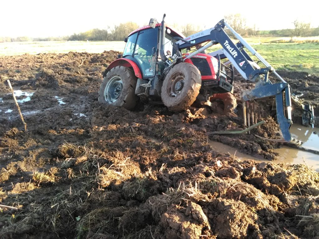 Zapadly traktor JL
