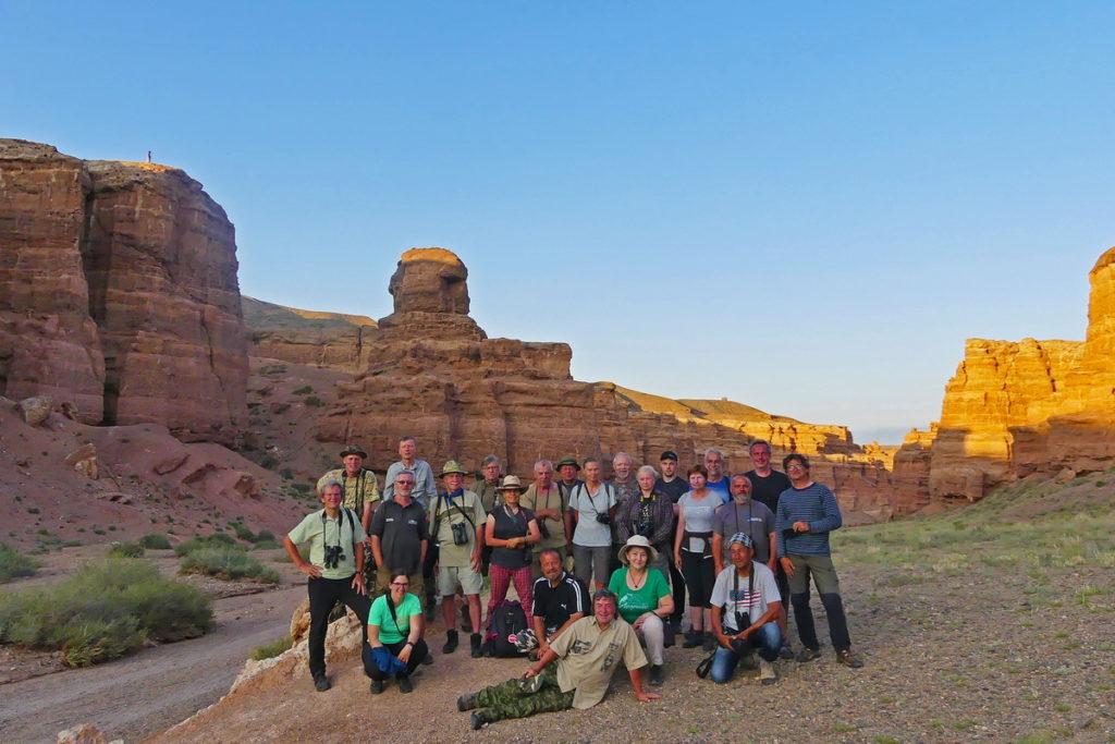 skupina pozorovatelů ptactva v Kazachstánu